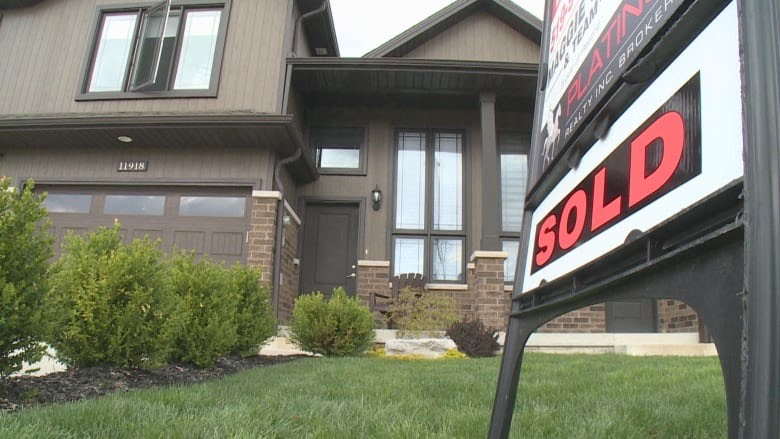 Breaking into Windsor-Essex housing market means paying $100K+ over asking amid industry boom